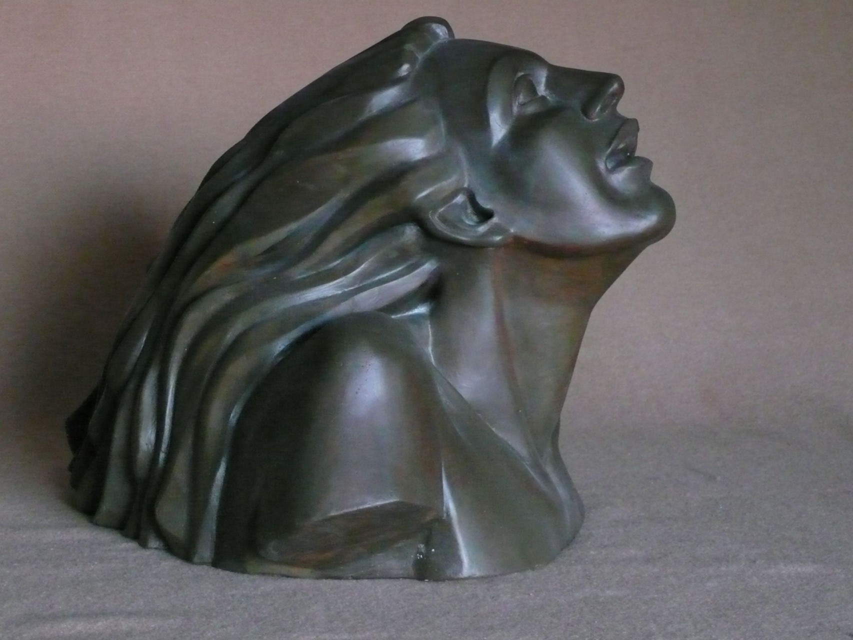 Ismene | replica of patinated bronze | H: 32X42X44 cm