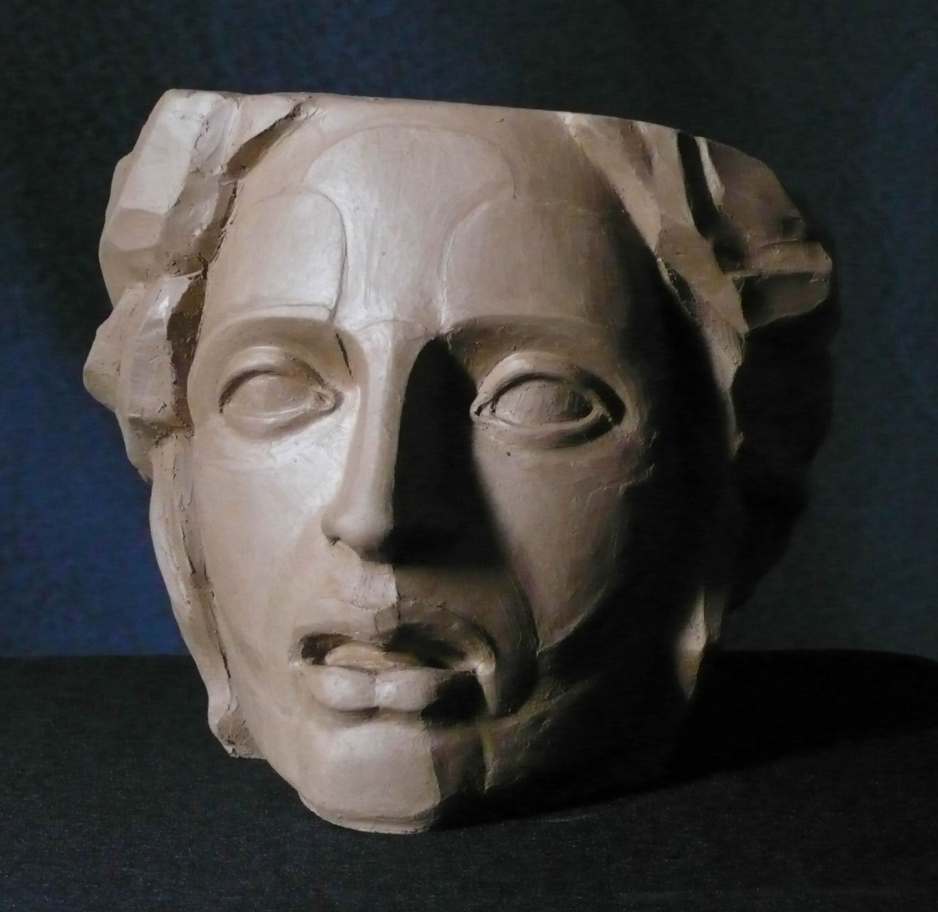 Breaking head |  terracotta | H: 20X25X30 cm